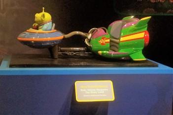 Flying Saucer Ride Vehicle Model.jpg